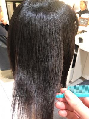 縮毛矯正後の髪の写真