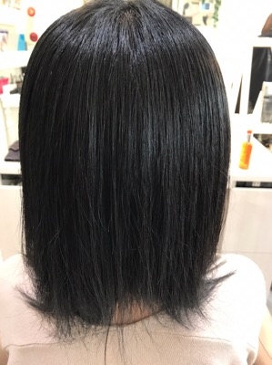 縮毛矯正後のバックスタイルの写真