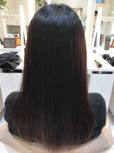 縮毛矯正後のバックスタイルの髪