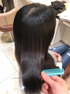 縮毛矯正後のツヤツヤの髪