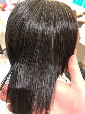 縮毛矯正をかけて綺麗になった髪