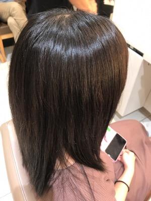 ブリーチ毛に縮毛矯正をかけた後の髪