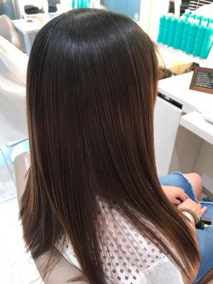 髪質改善トリートメントをやった後の髪