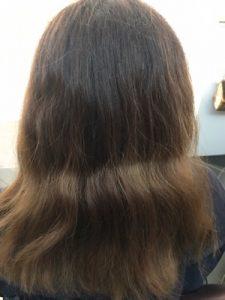 ブリーチをしている髪
