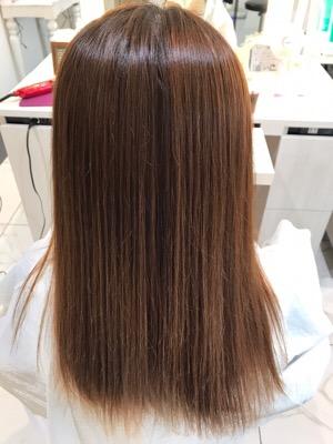 ブリーチ縮毛矯正後の髪質改善トリートメント移る前の髪の状態