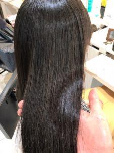 縮毛矯正終了後の髪