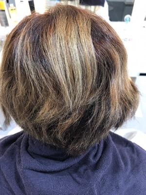 ブリーチ毛に酸熱縮毛矯正をかける前の髪