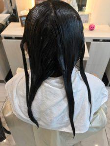 1剤を塗布し終わった状態の髪