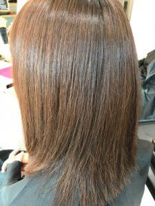 縮毛矯正カラーの仕上がりの写真