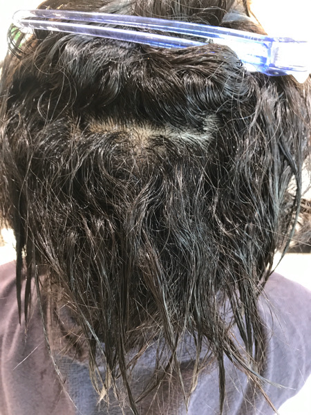 くせ毛を濡らした状態