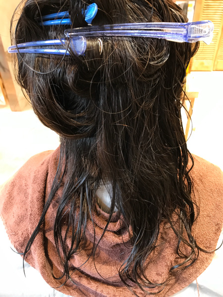 縮毛矯正を掛ける前の髪