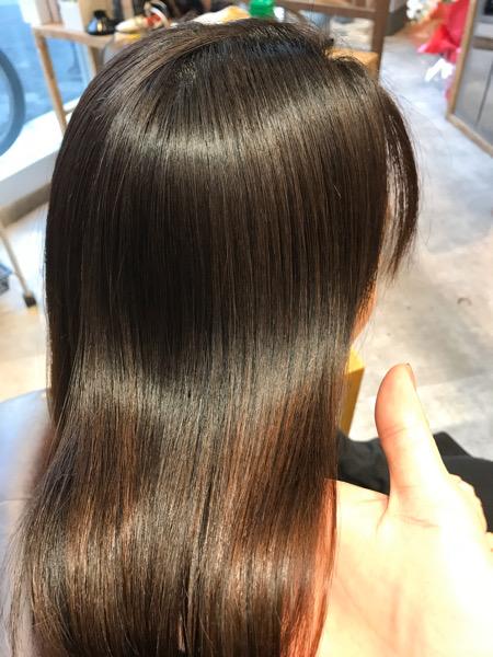 縮毛矯正後の髪のツヤ
