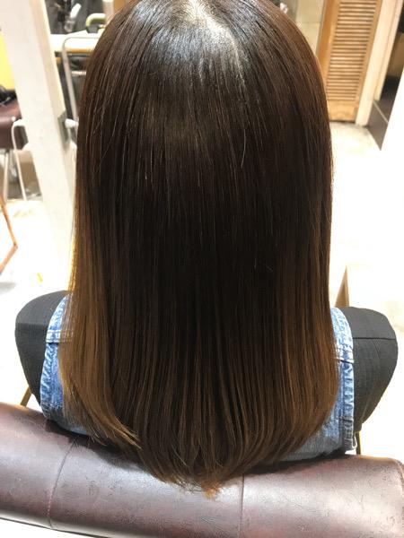 髪質改善縮毛矯正の仕上がりバックショット
