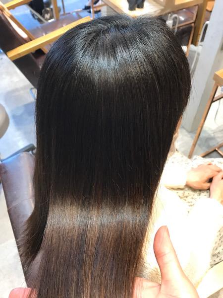 縮毛矯正をかけた後の髪のツヤ
