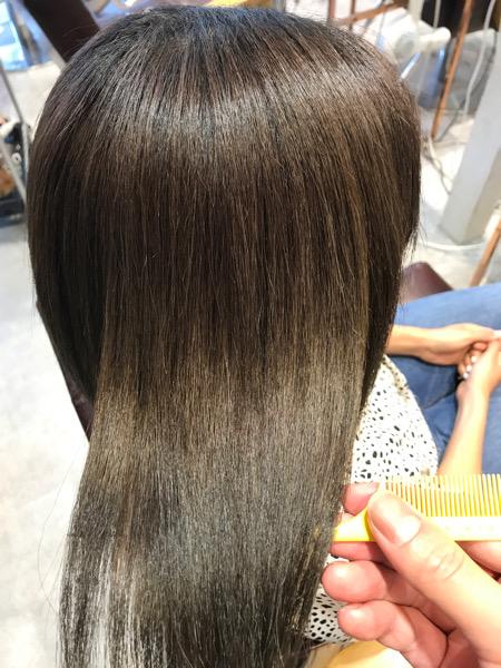 縮毛矯正と髪質改善トリートメントをやった後の髪の艶