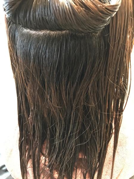 縮毛矯正+髪質改善トリートメント+カラーをする前の髪の状態