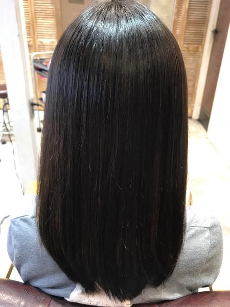縮毛矯正+髪質改善トリートメント+カラーをした後の髪の状態