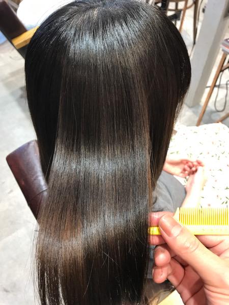 縮毛矯正+髪質改善トリートメント+カラーをした時の髪の艶