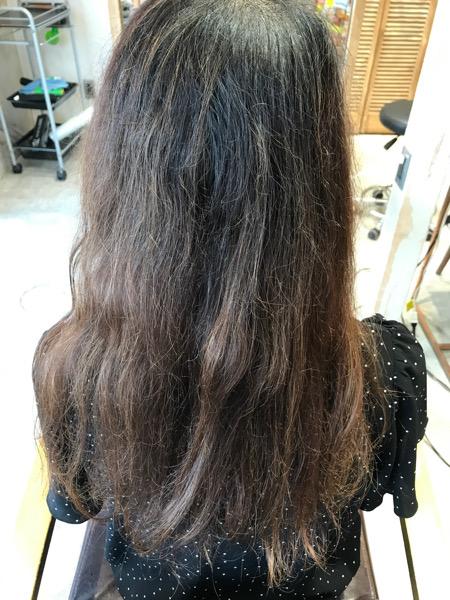 ハイライト(ブリーチ)縮毛矯正をかける前の髪の状態