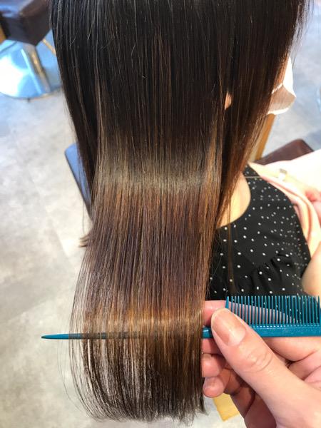 ハイライト(ブリーチ)縮毛矯正をかけた後の髪の艶