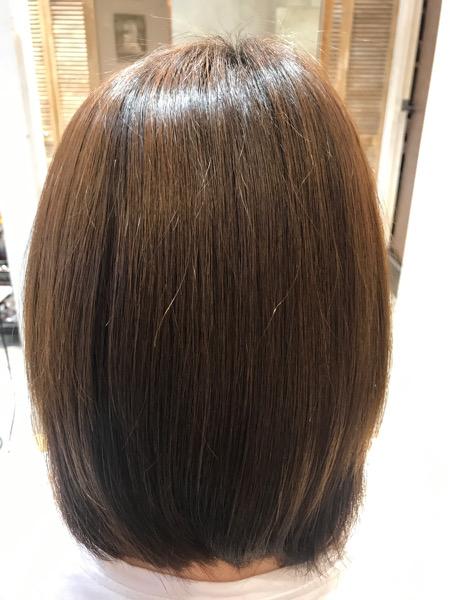 チリチリする髪に縮毛矯正をかけた後の髪の状態