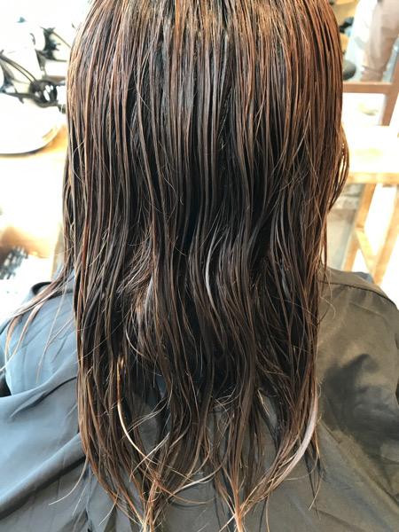 ブリーチ縮毛矯正をかける前の髪の状態