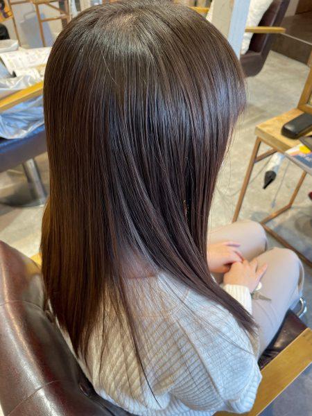 縮毛矯正と髪質改善トリートメントをした髪のサイドバックスタイル