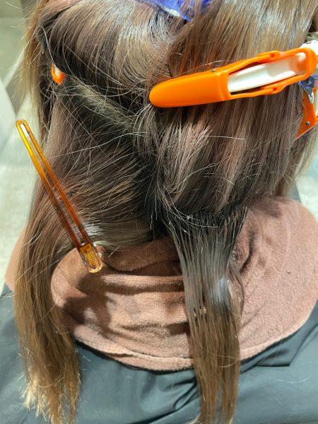 ブリーチ毛に縮毛矯正をかける前の髪の状態