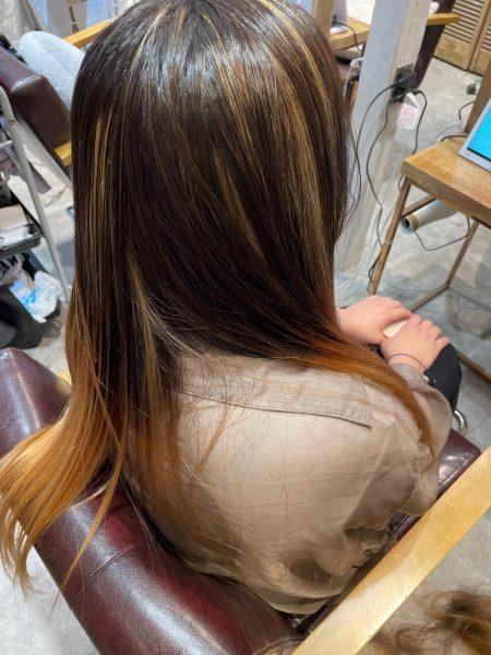 ブリーチ縮毛矯正のサイドバックの写真