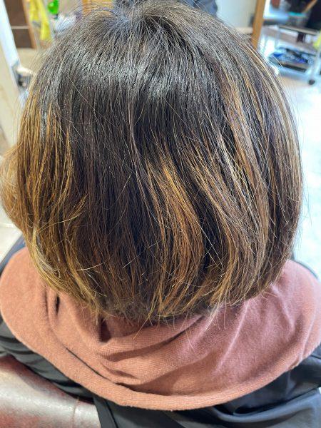 ハイライトの髪縮毛矯正をかける前の状態