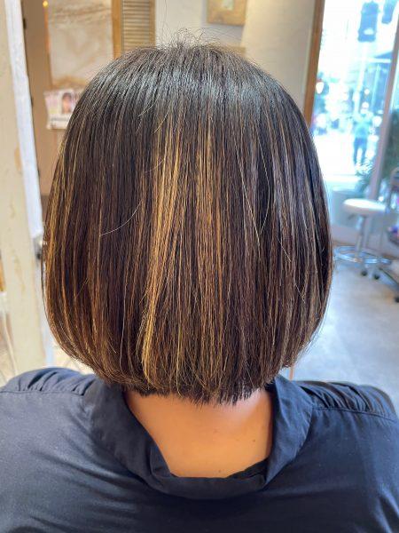 ハイライトの髪に縮毛矯正&髪質改善トリートメントをした後の状態