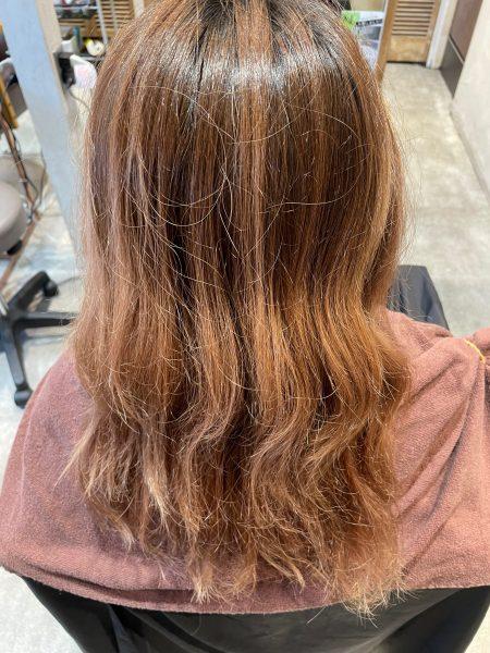 ブリーチ毛に縮毛矯正&髪質改善トリートメントをする前の髪