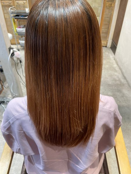 ブリーチ毛に縮毛矯正&髪質改善トリートメントをした髪